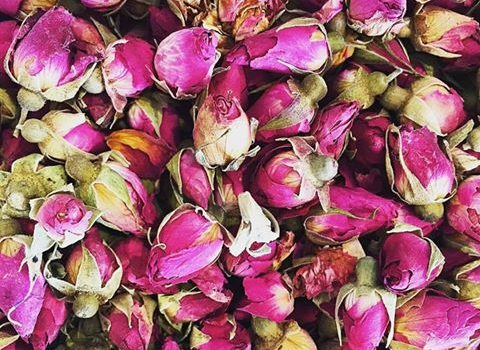 How to make your own simple nourishing and gentle rose face and body oil.
